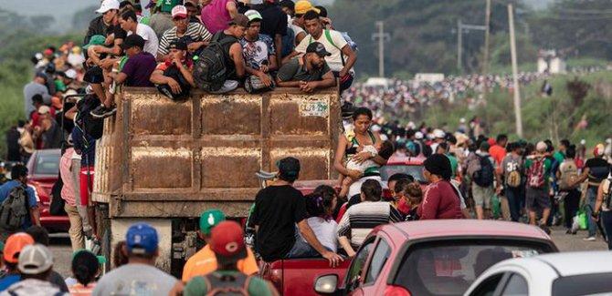 Trump göçmenlere sığınma hakkını askıya aldı