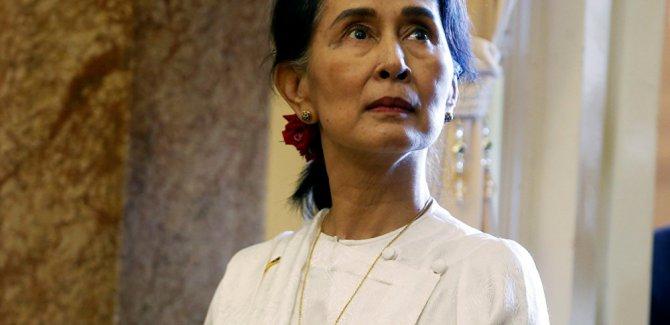 Uluslararası Af Örgütü, Myanmar lideri Kyi'nin ödülünü geri aldı