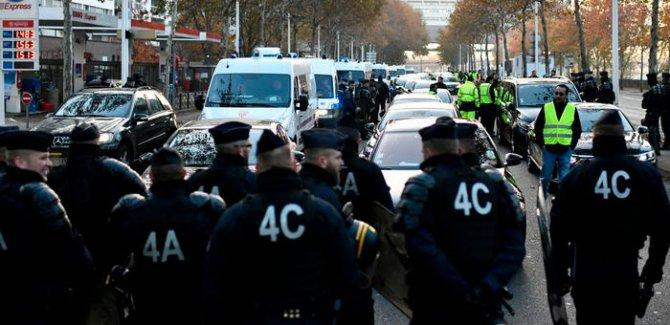 "Fransa'da ""Sarı Yelekliler"" protestosu"
