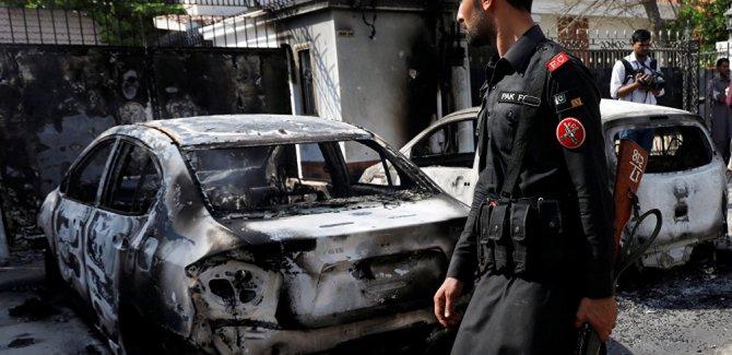 Pakistan'da intihar saldırısı: 25 ölü