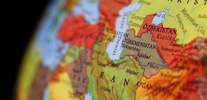 İran'da çok sayıda üst düzey yetkili istifa etti