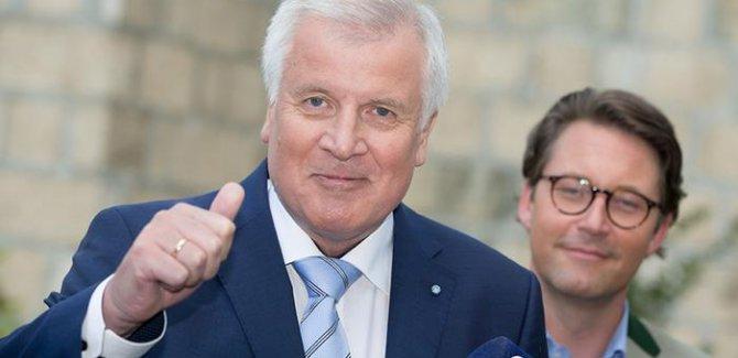 Alman İçişleri Bakanı'ndan Müslüman cemaatlere mali teşvik