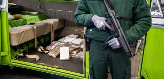 'Avrupa Uyuşturucu Çetelerine Teslim'