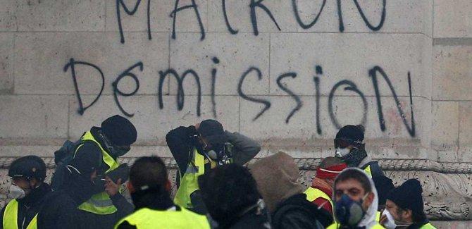 Fransa'yı Darbe Korkusu Sardı