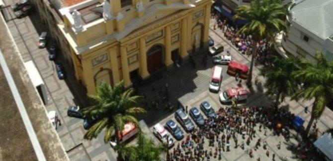 Katedralde silahlı saldırı: 4 ölü
