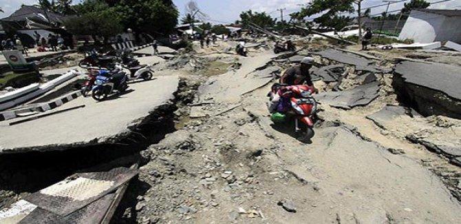 Endonezya'da doğal afetlerde 4 bin 211 kişi hayatını kaybetti