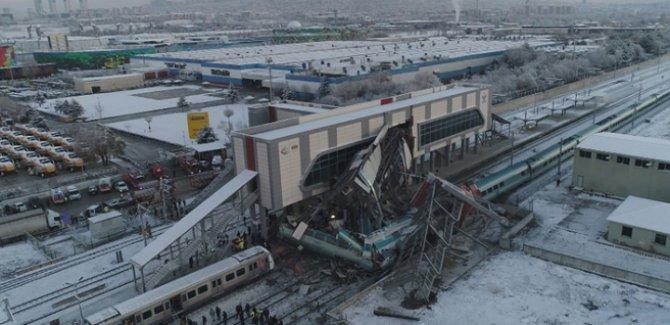 Tren kazası ile ilgili 3 kişi gözaltına alındı