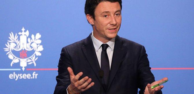 Fransız hükümetinden Sarı Yelekler'e çağrı: Gösteri yapmayın