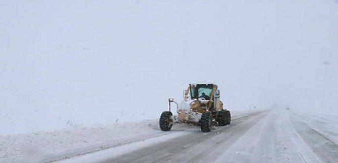 Van, Hakkari ve Bitlis'te 104 köy yolu kapandı
