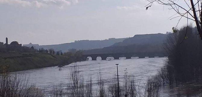 On Gözlü Köprü kapatıldı, Hevsel su altında kaldı
