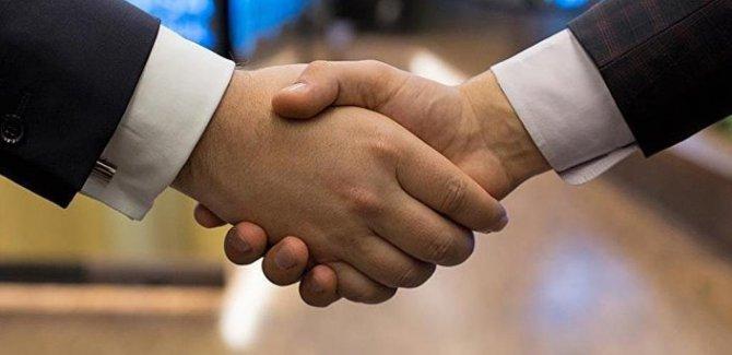 Danimarka'da el sıkışmak vatandaşlık şartı oldu