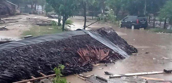 Endonezya'da tsunami: 222 ölü, 745 yaralı