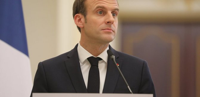Macron: Doğu Akdeniz ve Suriye'de kalacağız