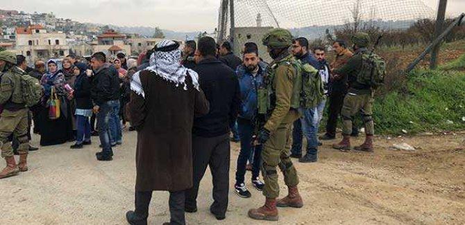Siyonist Askerler Üniversite Girişlerini Kapattı