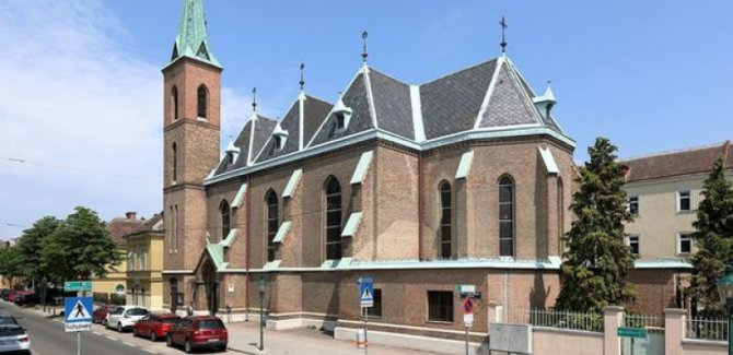 Kilisede silahlı soygun: 15 yaralı
