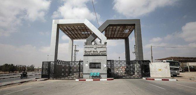 Hamas Filistin yönetiminin çekildiği sınır kapılarının idaresini teslim aldı