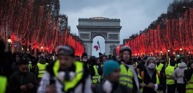 Fransa'da  gösterilere yeni sert önlemler
