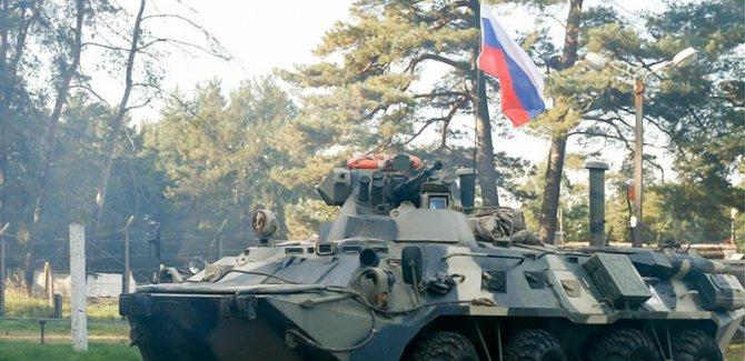 Rus birlikleri Minbic'de devriye geziyor