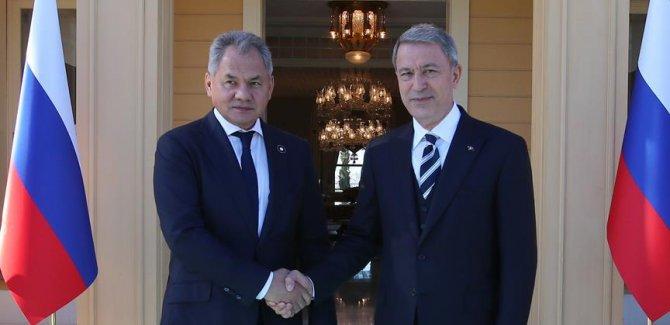 Akar ile Rus mevkidaşı Suriye'yi görüştü