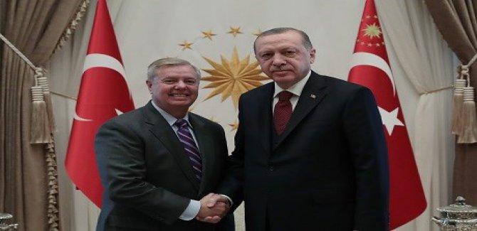 Erdoğan, ABD'li senatör ile bir araya geldi