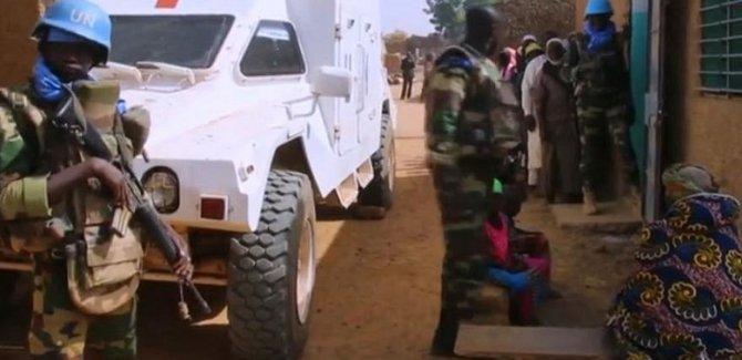 BM barış gücüne saldırı: 10 ölü, 25 yaralı