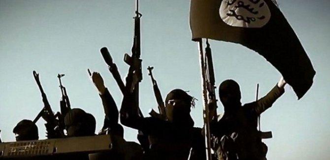NYT: İbadi, IŞİD'e karşı zafer ilan ettikten sonra 1200 saldırı gerçekleşti