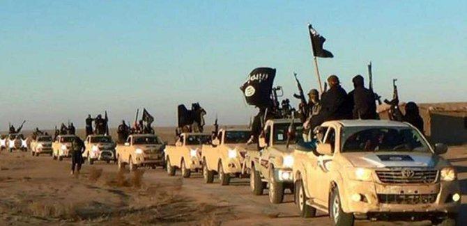 Teslim Olan IŞİD'liler ABD Üssünde