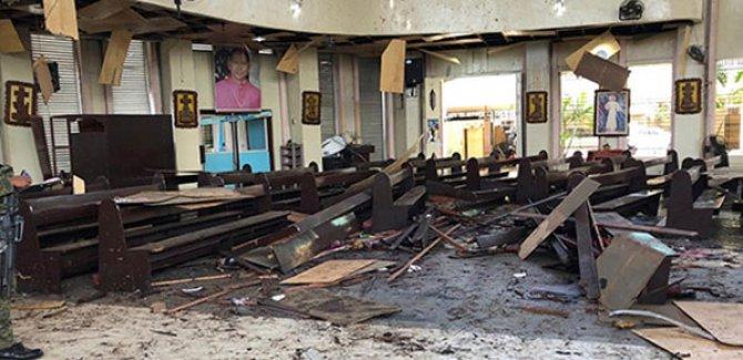 Kiliseye çifte saldırı: 27 ölü, 77 yaralı