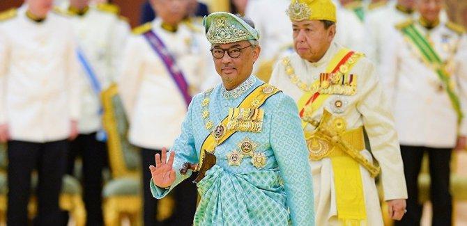 Malezya'nın yeni Kralı Sultan Abdullah tahta çıktı