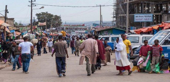 Etnik çatışmalar 2 milyonu aşkın kişiyi yerinden etti
