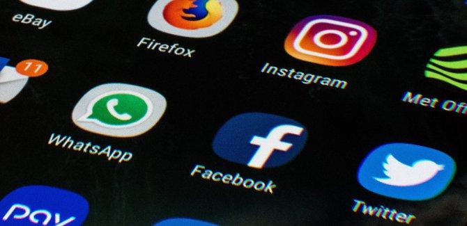 WSJ: Mobil uygulamalar hassas bilgileri Facebook ile paylaşıyor