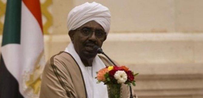 Sudan'da hükümet feshedildi ve 1 yıl OHAL ilan edildi