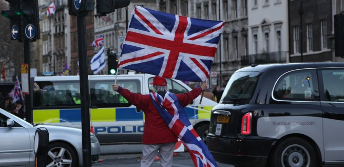 İngilizlerin çoğunluğuna göre ülke bölündü