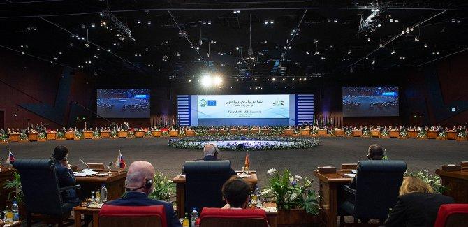 'AB'nin Mısırdaki zirveye katılması bir ikiyüzlülük örneği'