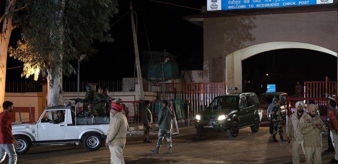 Pakistan-Hindistan sınırında karşılıklı ateş açıldı:Ölü ve yaralılar var!