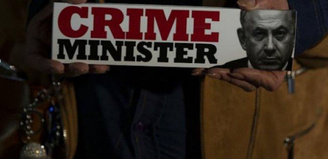 İsrailliler sokağa döküldü: Netanyahu istifa etsin