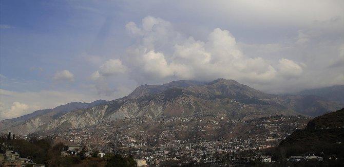 Keşmir'de 200'e yakın aile tahliye edildi
