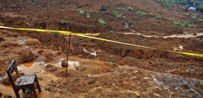 Endonezya'daki heyelanda can kayıpları artıyor