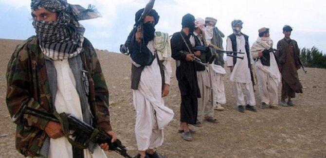 Taliban saldırılara ara vermiyor: 22 ölü