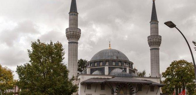 Almanya'da camilere terör saldırısı endişesi
