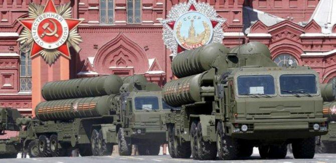 NATO: Rusya'dan S-400 alacak Türkiye'ye müdahale edemeyiz