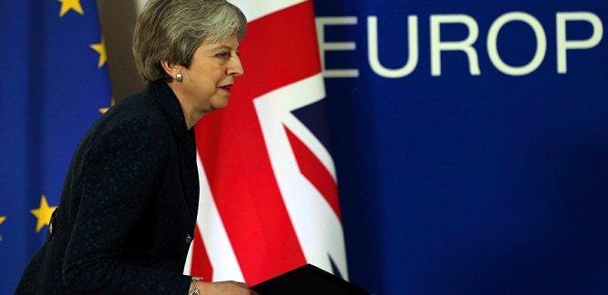 AB ile İngiltere yeni tarih için uzlaştı
