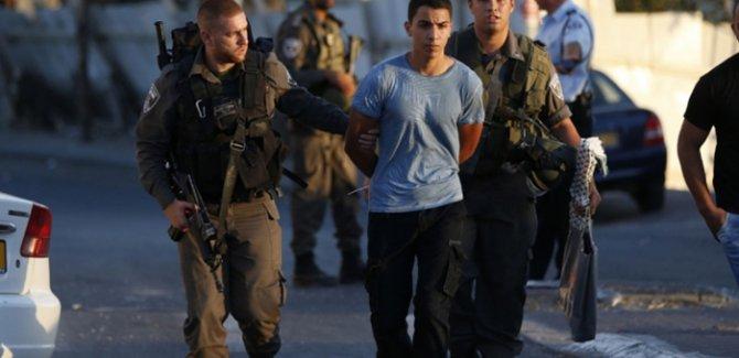İşgalcilerden Kudüs'te Filistinli gençlere gözaltı
