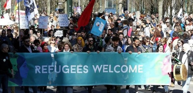 Brüksel'de ırkçılık ve ayrımcılık karşıtı gösteri