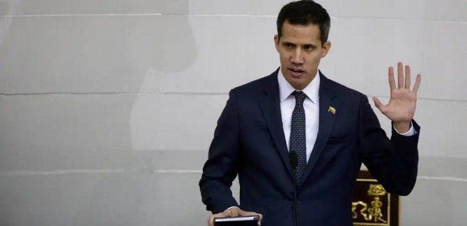 Guaido 15 yıl kamudan men edildi