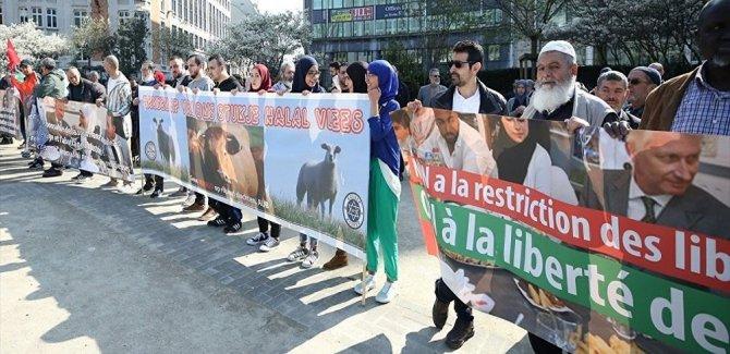 Brüksel'de 'helal kesim yasağı' protestosu