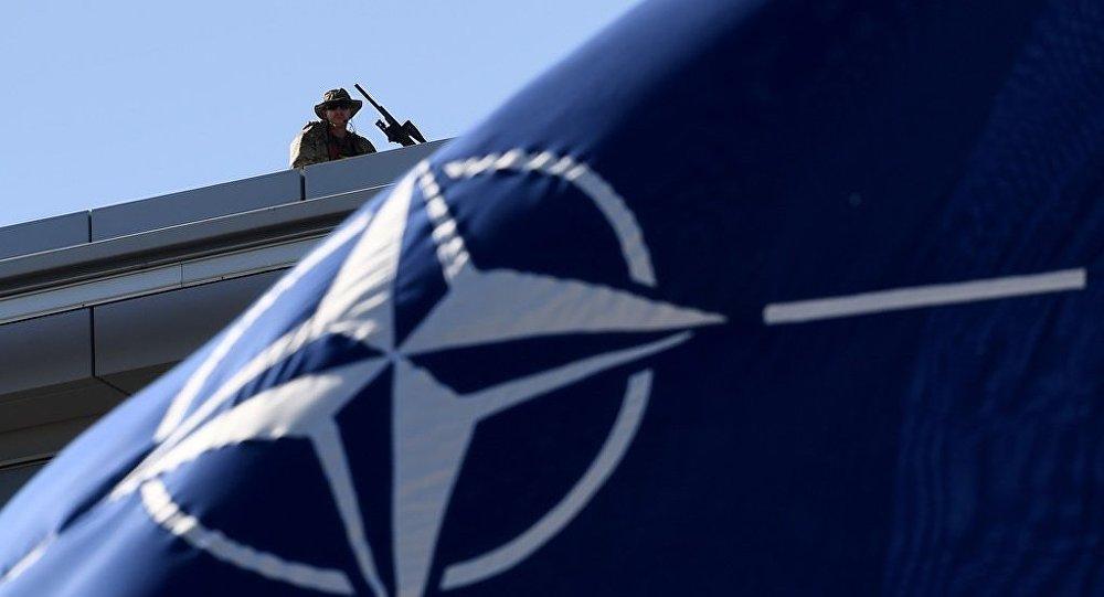 'NATO küresel güvenlik için bir tehdit, artık dağılmalı'