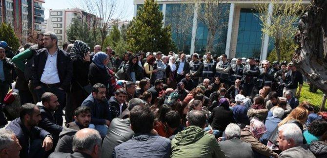 YSK Bağlar'da HDP'li Ceylan'ın KHK'lı olmasını gerekçe gösterdi, mazbatayı AK Partili Beyoğlu'na verdi