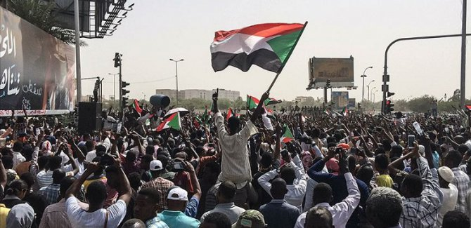 Sudan muhalefetinden 7 talep: Yoksa devam ederiz