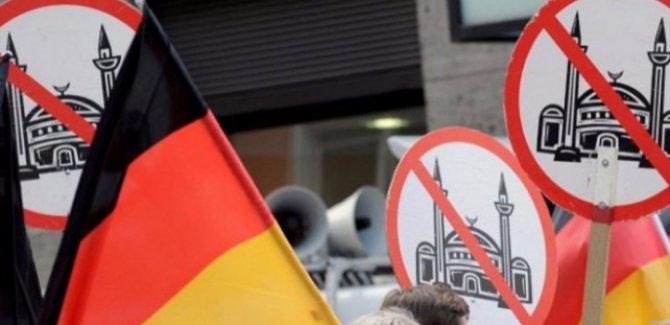 Almanya'da Müslüman karşıtlığı medyalara da sıçradı